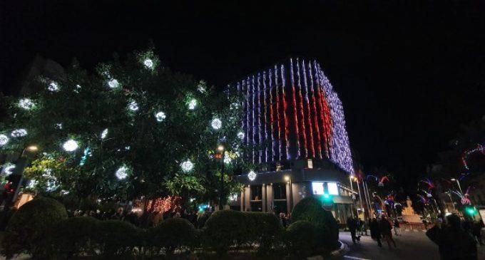 Torrent s'ompli de música, llums i focs artificials per a estrenar el Nadal