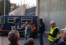 Un intern del CIE de Sapadors denuncia al jutge una agressió policial durant un trasllat