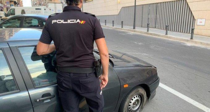 Detingut un home per l'incendi de 16 vehicles a Russafa