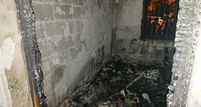 Cinc persones afectades per inhalació de fum en l'incendi d'un habitatge d'Alfafar