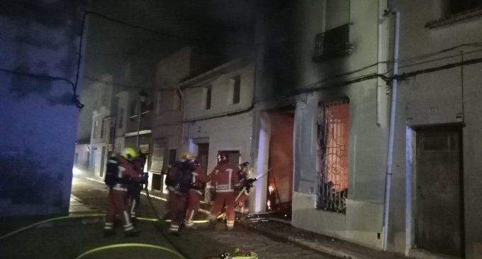 Los bomberos pide extremar las precauciones para evitar incendios en viviendas en Navidad