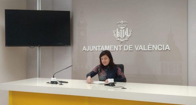 València reparteix 600 packs tipus pícnic en els poliesportius i tramita 300 ajudes d'emergència social per valor de 135.000 euros