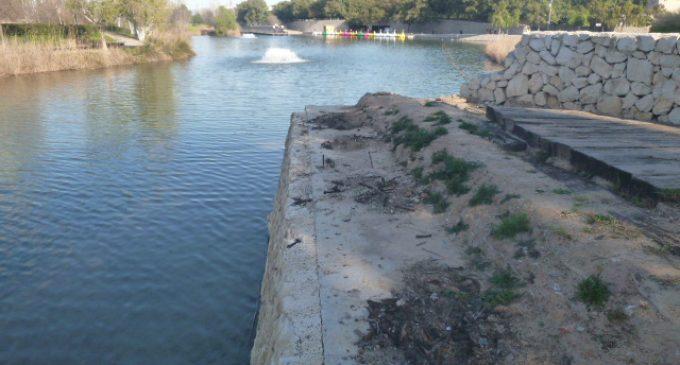 L'Ajuntament de València inicia la reparació del mirador i el mur junt al llac del parc de capçalera