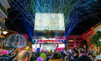 Mislata dóna la benvinguda a 2020 amb una gran festa en la plaça de la Constitució