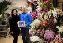 Innovación Floral i La Casita del Árbol guanyen el concurs d'aparadors nadalencs de Puçol