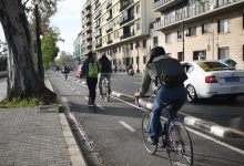 La Universitat de València crea la Mesa de Mobilitat per a promoure l'accés a peu, amb bicicleta i transport públic