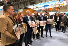 Compromís visibiliza en FITUR el estado actual del litoral valenciano para evidenciar las consecuencias de no actuar contra la Emergencia Climática