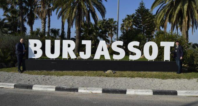 El nombre de Burjassot ya luce en la entrada al municipio por la Ronda Norte