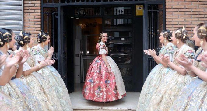 Consuelo Llobell aposta pel rosa per a la seua Exaltació