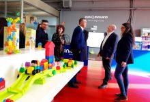 Mónica Oltra y Rafa Climent ofrecen su apoyo a las empresas valencianas presentes en la Feria Mundial del Juguete