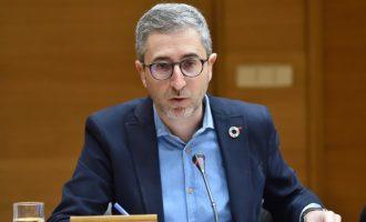"""Arcadi España insta al Puerto a """"escuchar y estudiar"""" las alegaciones presentadas y """"mejorar el proyecto"""" de ampliación"""