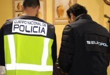 Detingudes 30 persones a una operació contra el tripijoc de parelles de fet amb immigrants a Sagunt