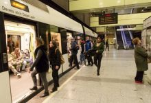 Més de 25.000 persones es van desplaçar en la Nit de cap d'any en Metrovalencia, més del doble que en 2018