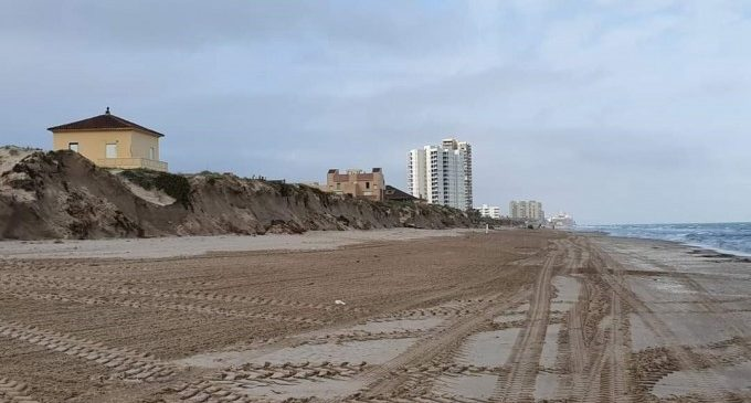 """Turisme CV apuesta por un debate """"profundo y científico"""" del futuro de las playas tras el temporal"""