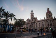 Via lliure a la conversió en zona de vianants de la plaça de l'Ajuntament