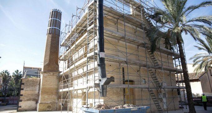 Les obres de l'antiga almàssera de Marxalenes, que albergarà un centre cívic per a majors i un museu de l'oli, conclouran en Juliol
