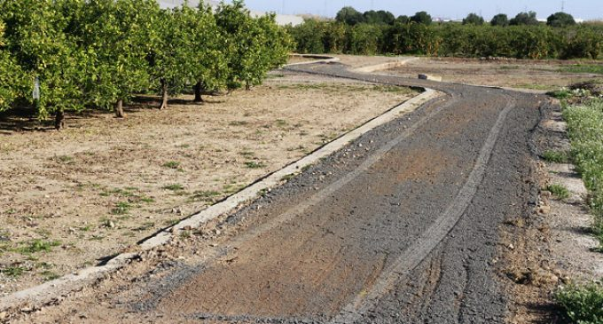 Puçol reforma els camins rurals reutilitzant l'asfalt sobrant de l'avinguda València