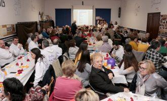Més de 400 veïns participen en el sopar de la fam de Puçol