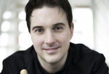 Alexander Soddy debuta a València amb l'OV i la postromàntica Simfonia núm. 4 de Franz Schimdt