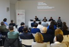 Ontinyent expone a vecindario y profesionales como se invertirán los 2 millones de Ministerio y Generalitat para el nuevo programa ARRUR