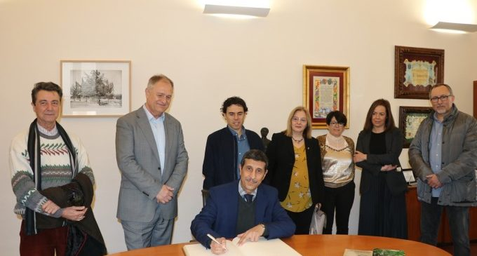 L'Ajuntament de Llíria rep una visita de la Coalició Civil per la Muntanya del Marroc