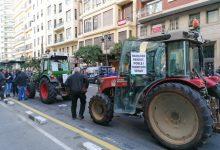 Els tractors col·lapsen València per a reivindicar la dignitat del treball en el camp