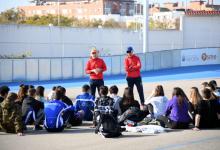 La selecció espanyola de patinatge de velocitat juvenil es prepara a Paiporta