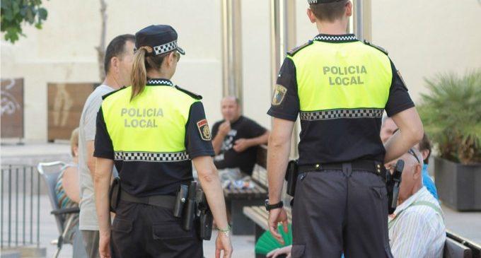 La Policía Local de Ontinyent salvan la vida a un hombre después de dos paradas cardíacas
