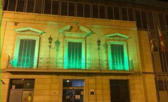 Massamagrell s'il·lumina de verd pel Dia Mundial Contra el Càncer