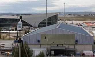 La boira obliga a desviar 18 vols en els aeroports de València i Alacant
