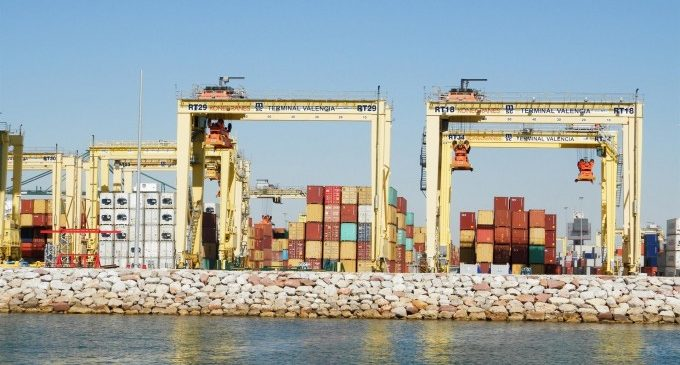 """Intersindical pide la """"retirada inmediata y sin condiciones"""" de los planes de ampliación del puerto"""