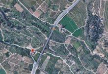 Un incendi en Parc Natural del Túria amb risc a béns no forestals obliga a tallar la CV-50