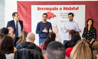 Mislata lliura les seues targetes de benvinguda a més de cinquanta famílies