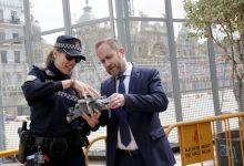 La Policía Local de València realiza una exhibición con uno de los drones que garantizará la seguridad ciudadana