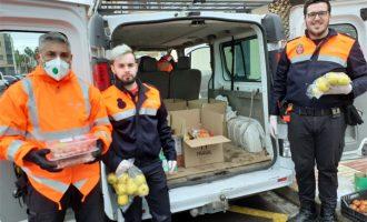 Repartiment d'aliments entre les famílies més vulnerables