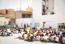 El Ayuntamiento entrega 1.200 vales de compra a los niños y niñas de Paterna con becas de comedor municipales