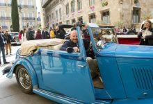 Los vehículos históricos del Rally de Fallas calientan motores en la Diputació