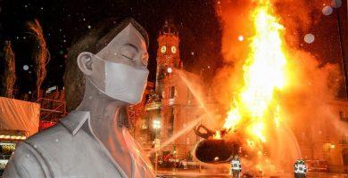 València suspén definitivament les Falles de 2020