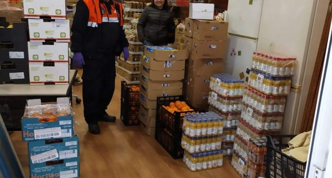Protección Civil de Burjassot recoge una donación alimentaria de McDonalds
