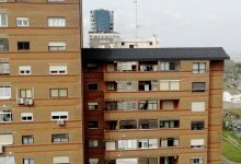 Ajudar a fer la compra o cuidar dels xiquets, la solidaritat veïnal impregna València