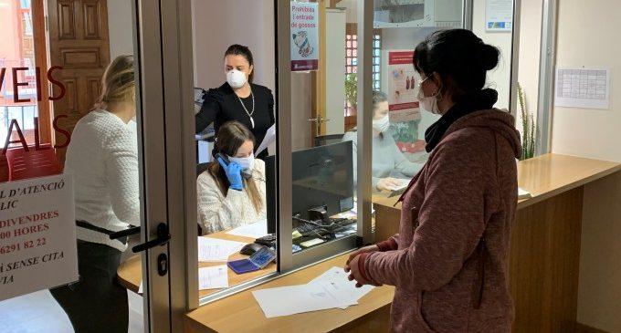 Empreses i particulars donen a l'Ajuntament viseres de seguretat impreses en 3D i mascaretes tèxtils per fer front al COVID-19