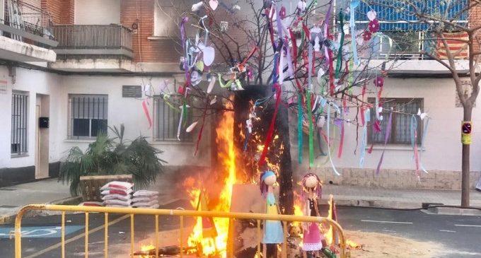 ADISTO de Torrent celebra la seua jornada fallera amb l'Ofrena i la Cremà de la falla