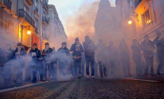 """Pirotécnicos lamentan el aplazamiento de Fallas, un """"gran golpe"""" para el sector: """"El desánimo es total"""""""