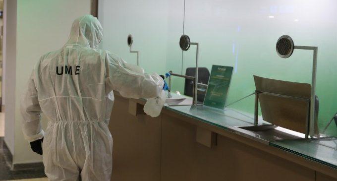 Sanitat confirma positius en sanitaris d'un centre de Castelló i demana ajuda a la UME per a desinfectar