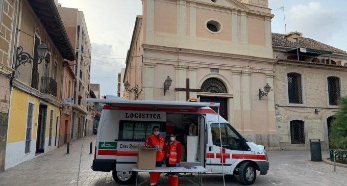 309 personas sin hogar y 105 familias de València reciben comida gracias a Cruz Roja y al Ayuntamiento