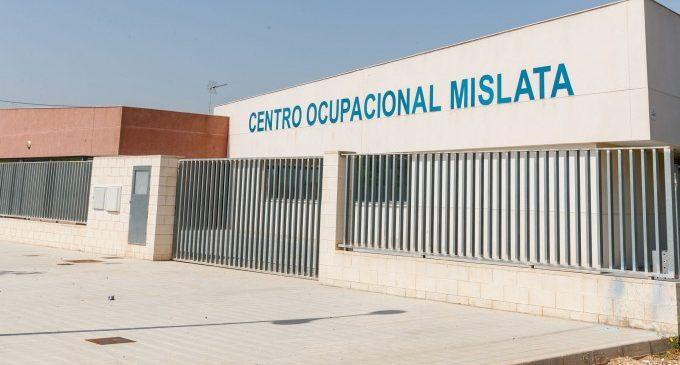 El día a día del Centro Ocupacional de Mislata se traslada a los hogares de sus usuarios