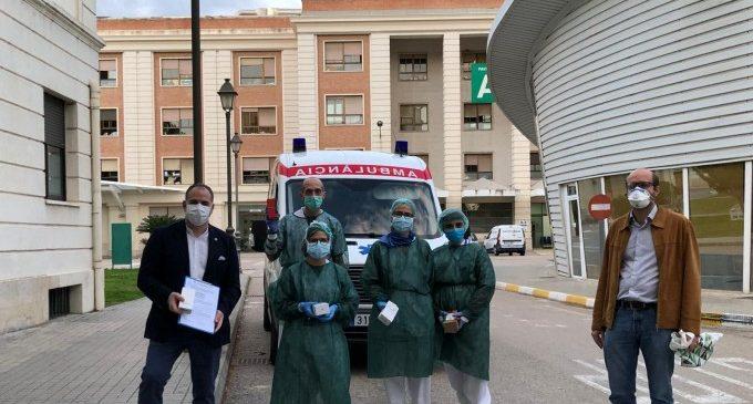 La UPV y Las Naves entregan móviles a los hospitales para que los pacientes con coronavirus de las UCI contacten con sus familiares