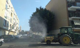 Benetússer reforça amb tractors les tasques de desinfecció del coronavirus