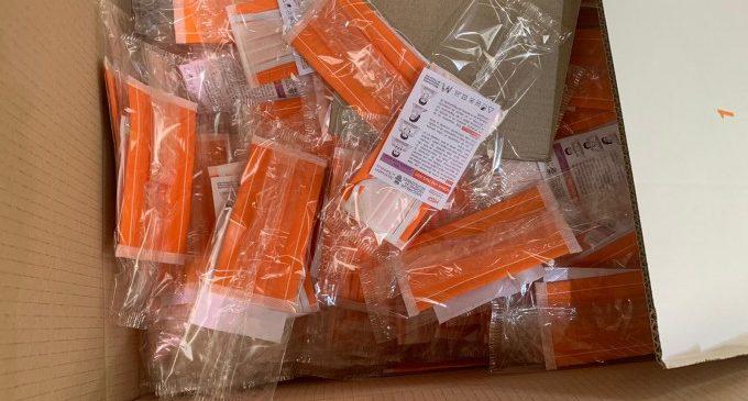 Xirivella ultima la bustiada massiva i personalitzada de mascaretes reutilitzables