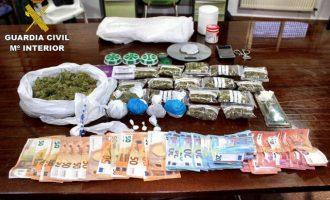 Detingut un jove per tràfic de drogues després de ser interceptat en un control